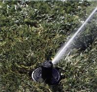 рис.18 полив газона роторным спринклером