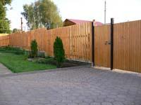 Рис.22 Деревянный забор с деревянной калиткой